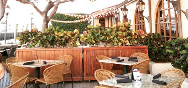 A view of pier 22's outdoor dining terrace along the Manatee River.