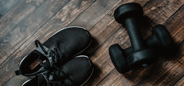 shoes and workout weights